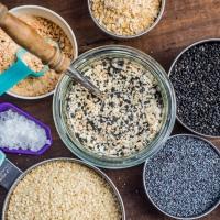 Przyprawa zmieniająca życie: Everything Bagel Seasoning, czyli przepis na kultową posypkę do bajgli, kanapek i nie tylko